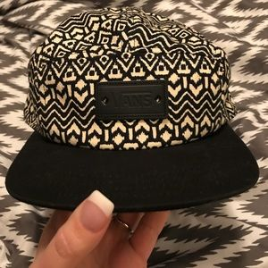 Vans cute creamy white and black skater hat